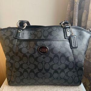 Coach Peyton Signature pocket tote handbag